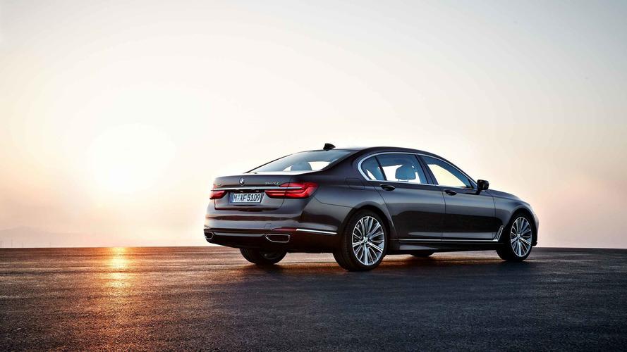 BMW, benzinli 7 Serisi'nin Avrupa üretimine 1 yıl ara verecek