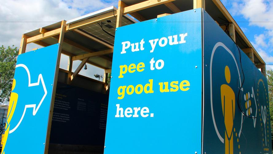 VIDÉO - Bientôt des batteries alimentées par de l'urine ?