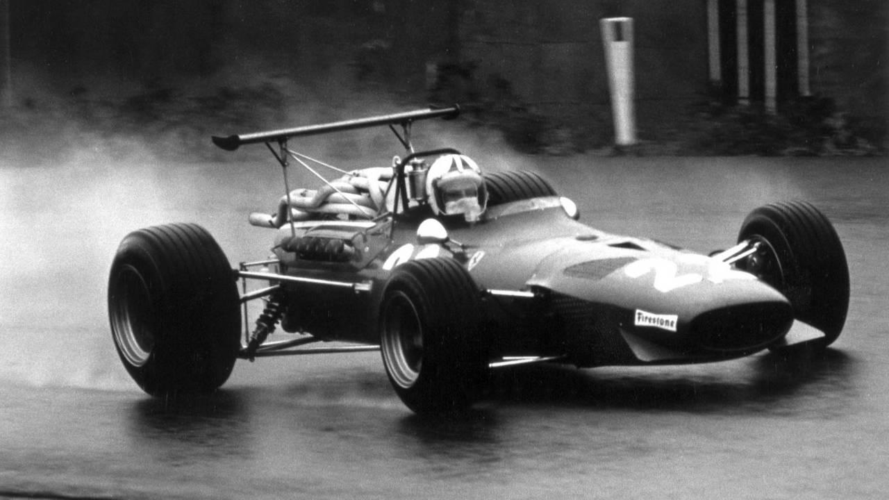 17. Chris Amon (96 Grandes Premios)