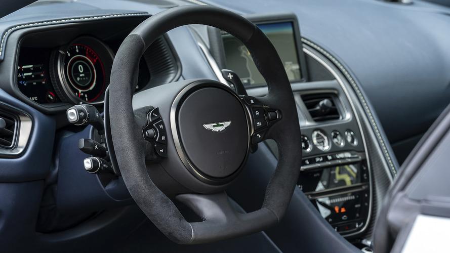 Aston Martin DB11 AMR 2019 , prime impressioni