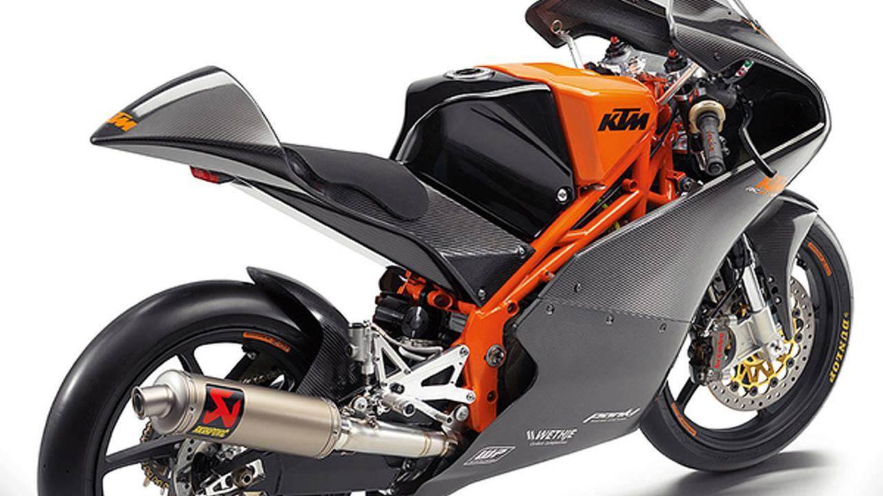 Moto3-replica KTM RC390 will launch at EICMA