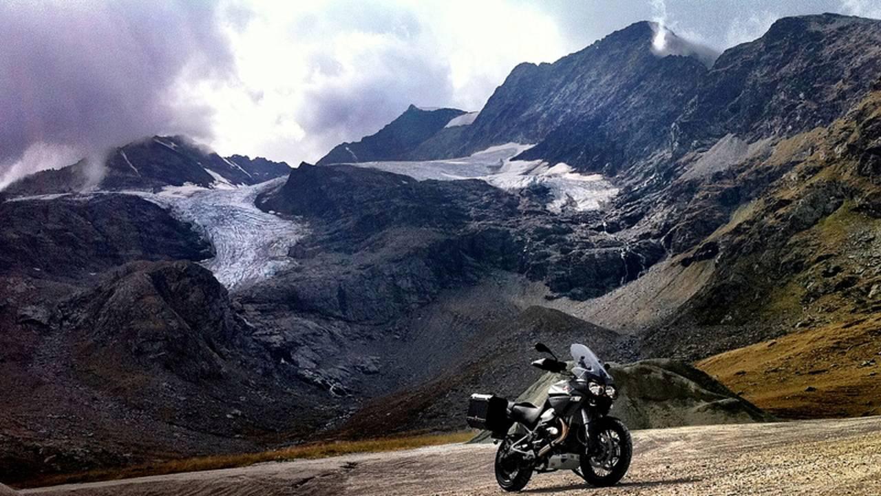RideApart Review: Moto Guzzi Stelvio 1200 NTX