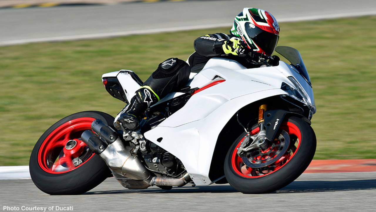 We Ride the 2017 Ducati SuperSport and Like it!