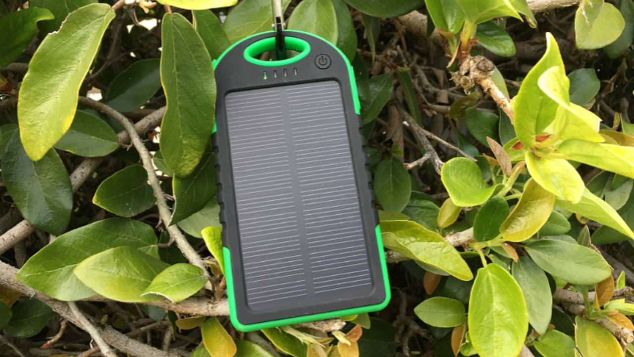 Here Comes the Sun: Bracketron Xolar5000 Sport Solar Battery Pack — Review