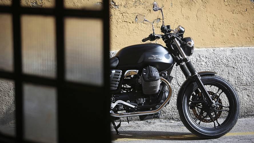 Ask RideApart: Triumph Bonneville or Moto Guzzi V7?