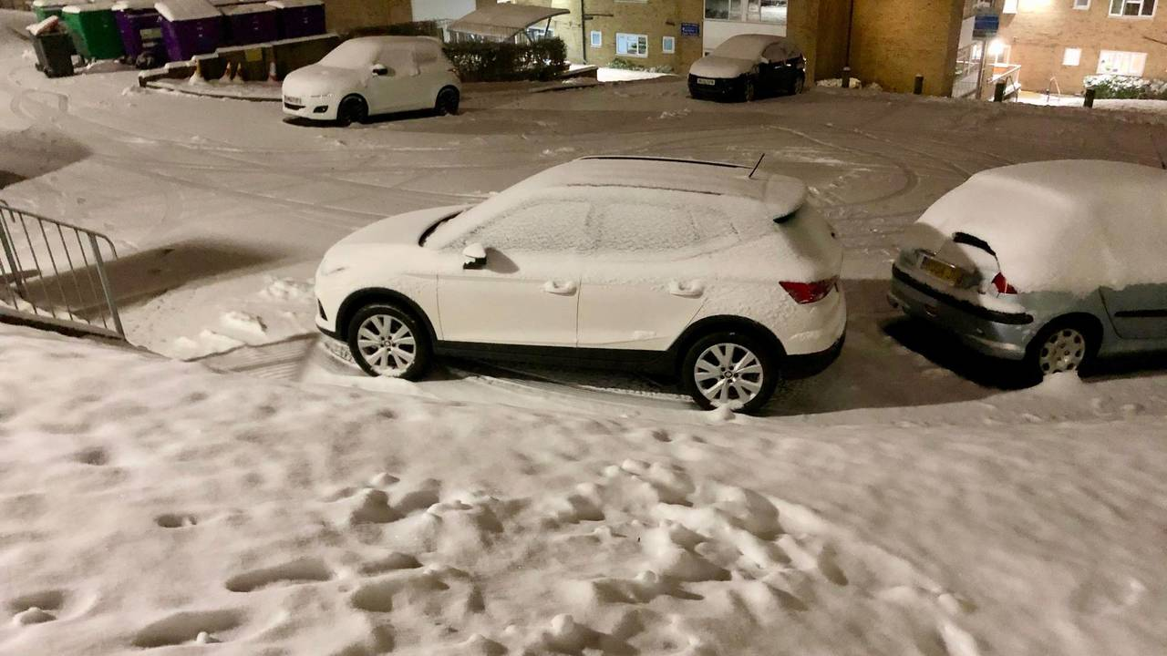 Seat Arona snow