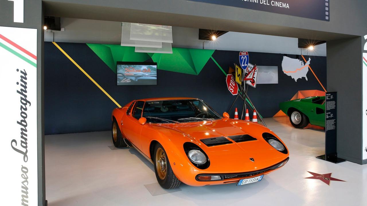 6. Lamborghini Miura P400 (The Italian Job, 1969)