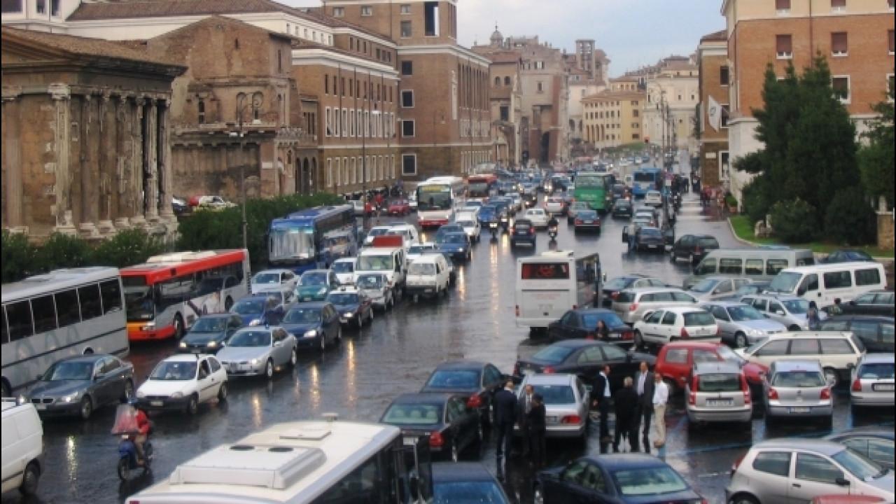 [Copertina] - Traffico, Roma è la città peggiore d'Italia