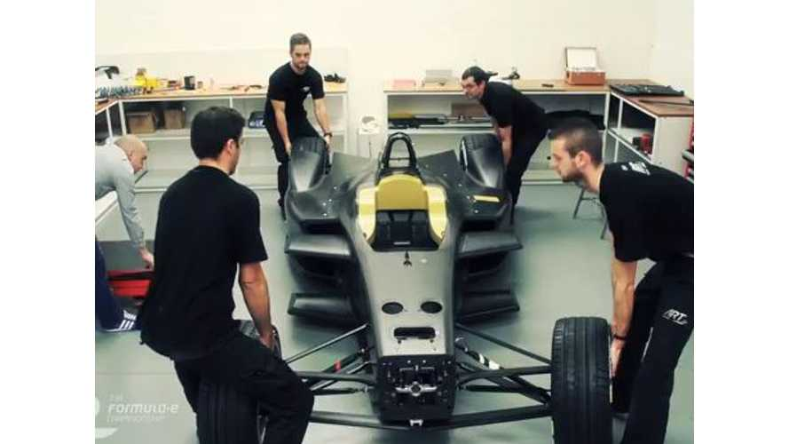 Watch The Spark-Renault SRT_01E Formula E Be Assembled - Video