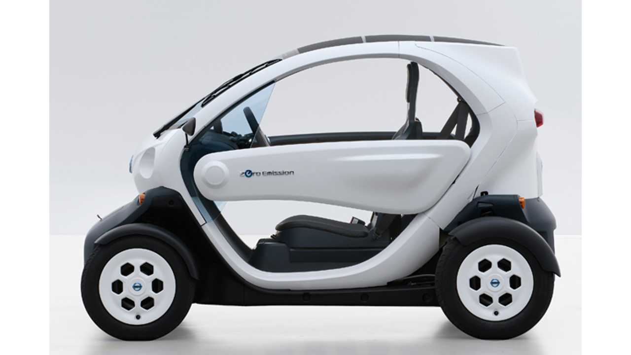 Nissan New Mobility Concept Does Trial Runs In Japan (Video)