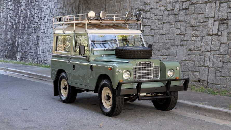 Avoid Modern Life With This Restored 1973 Land Rover Series III