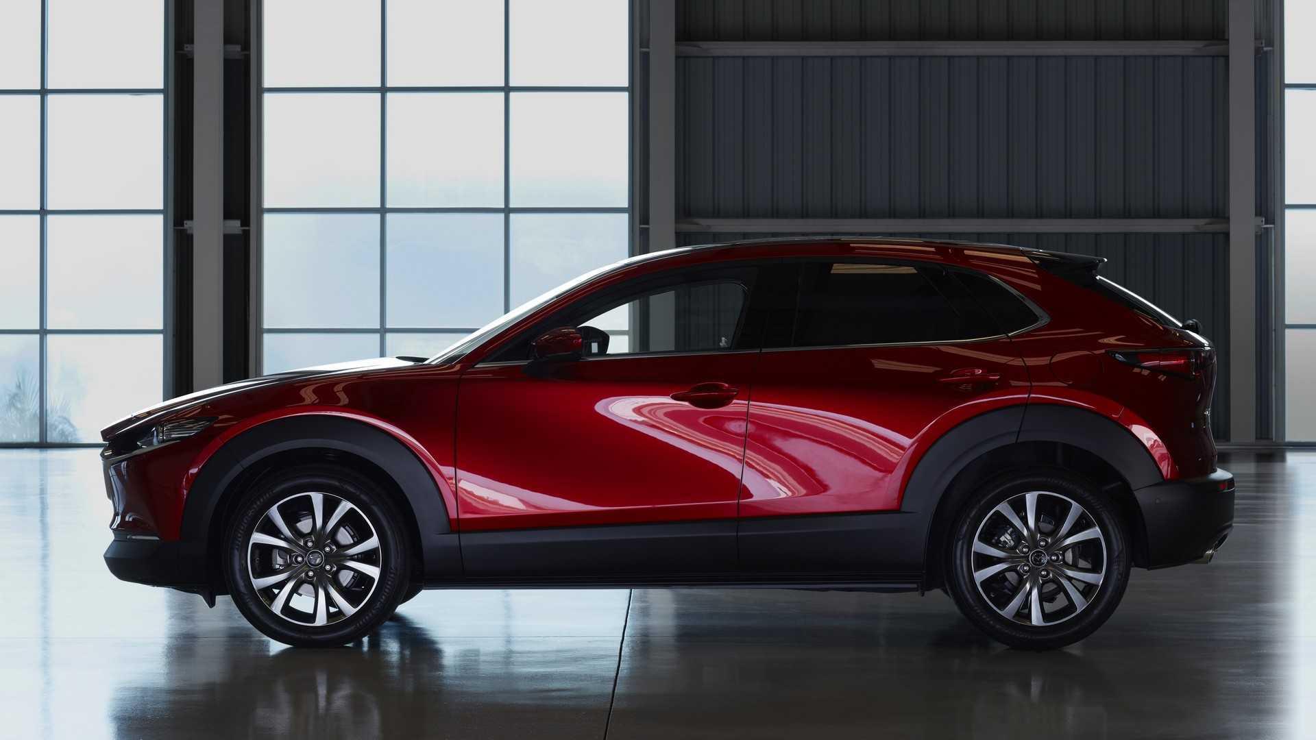 Kelebihan Mazda C30 Perbandingan Harga