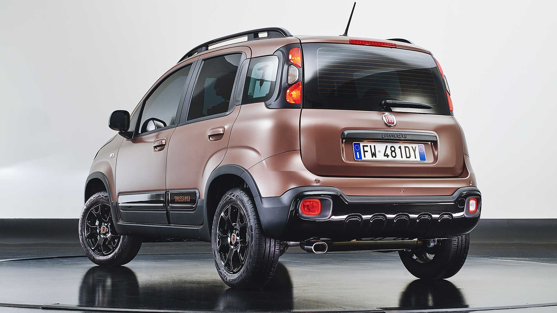 2011 - [Fiat] Panda III - Page 22 Fiat-panda-trussardi