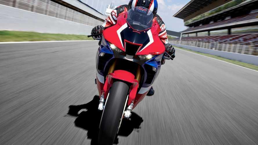 Honda CBR 1000 RR-R Fireblade: il test di velocità massima [VIDEO]
