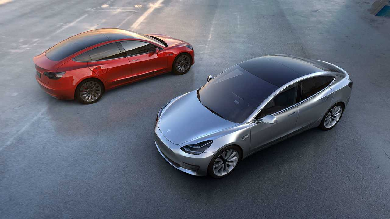 7. Tesla Model 3 de autonomía extendida (long range)