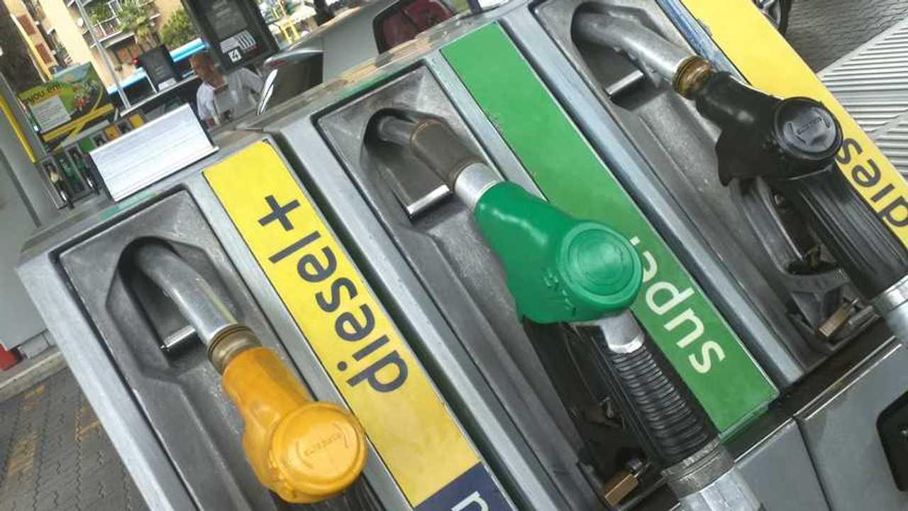Copertina Nuove accise sul diesel, il governo rallenta
