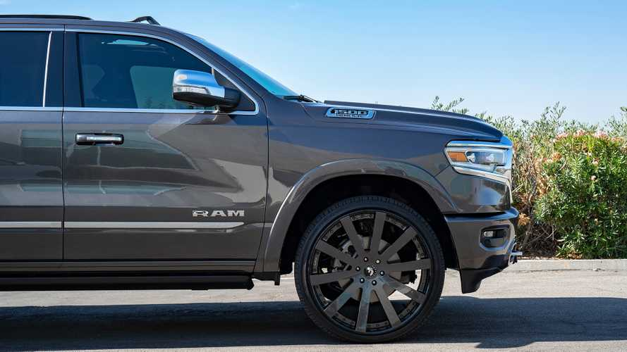 Shaq's Ram 1500 With 26-Inch Wheels