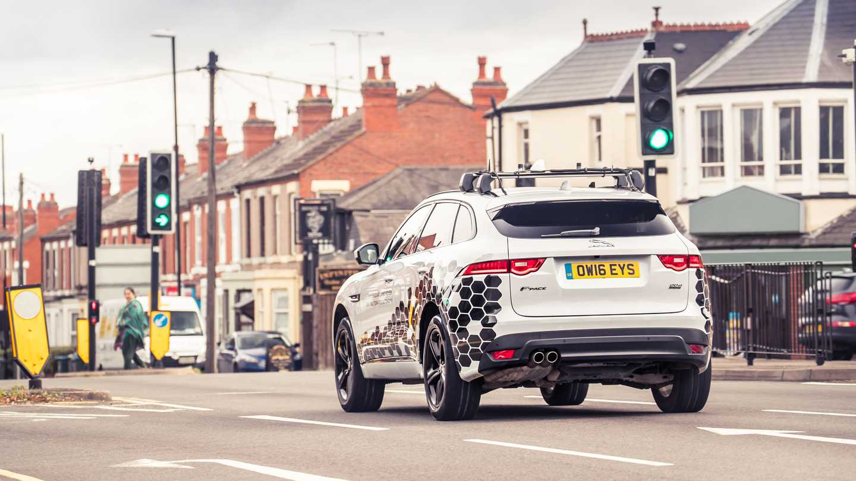 Jaguar Land Rover Traffic Light Avoidance Technology