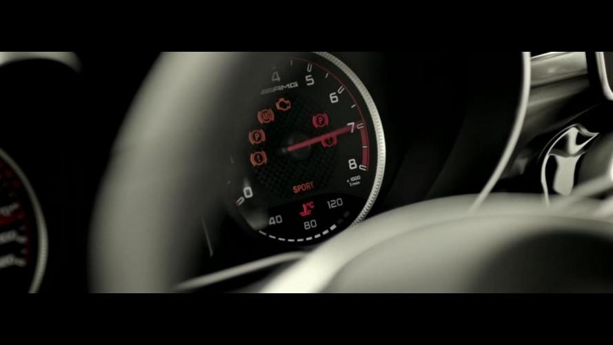 Mercedes divulga mais um teaser do novo C63 AMG Coupe - vídeo