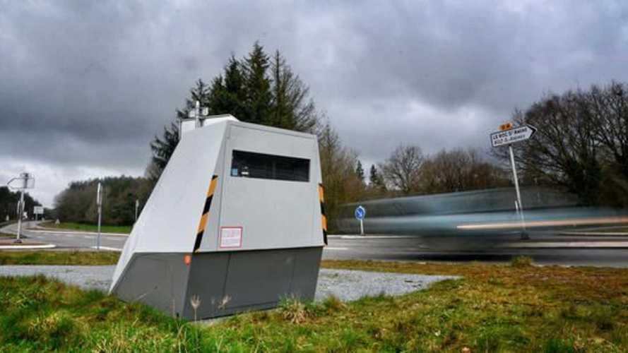 ¿Conoces los radares autónomos? ¡Multan incluso en curvas!