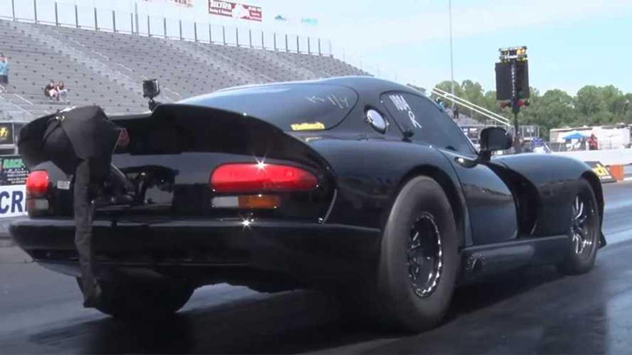 3200 lóerős Dodge Viper