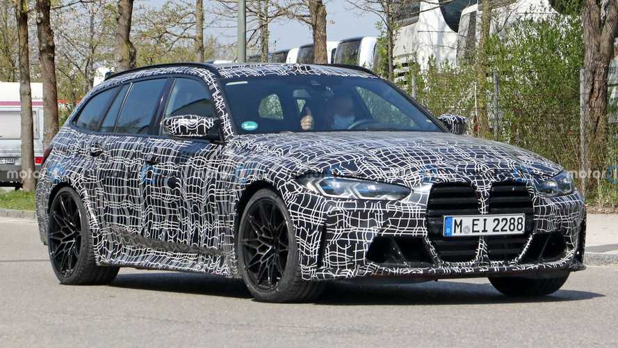 BMW M3 Touring spied on the streets of Munich still camouflaged