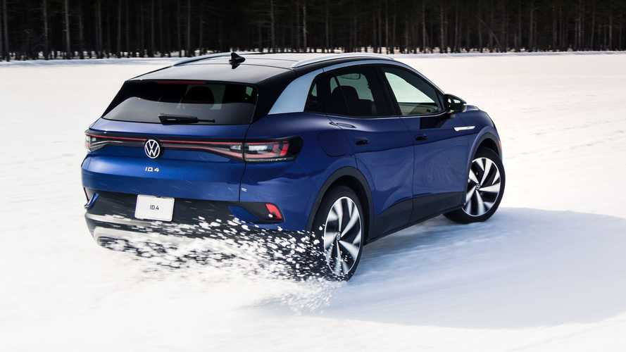 Stunt Driver Takes Volkswagen ID.4 For A Spin In The Snow
