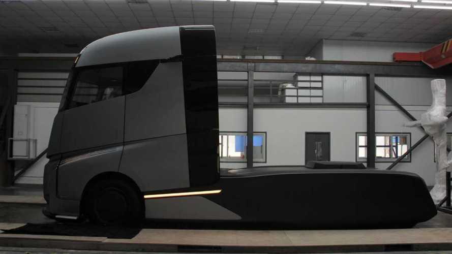 Farizon AD21: Tesla-Semi-Konkurrent mit Austausch-Batterien