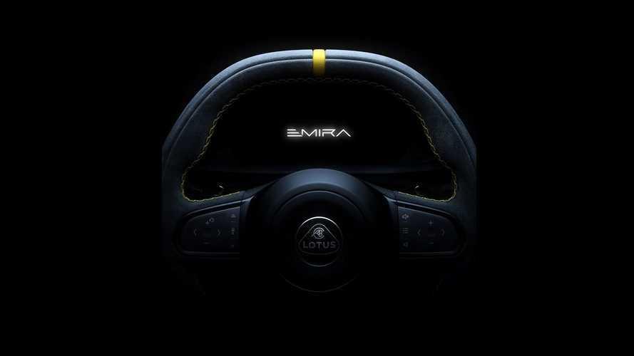 Lotus Emira vites kulakçıkları ve dijital paneliyle göz kırptı