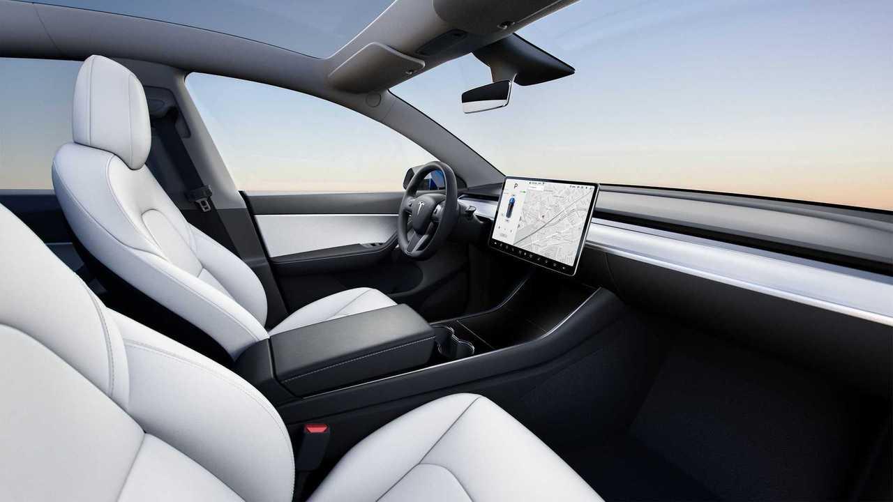 Tesla 2021 iç mekan