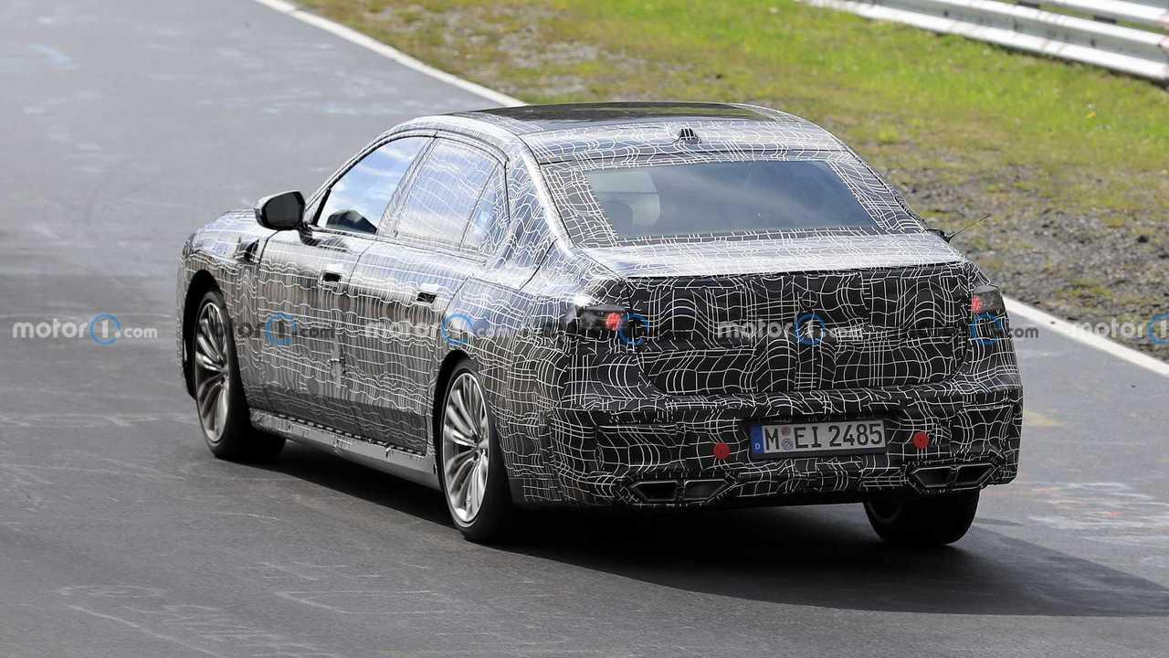 Nuova BMW Serie 7, le foto spia