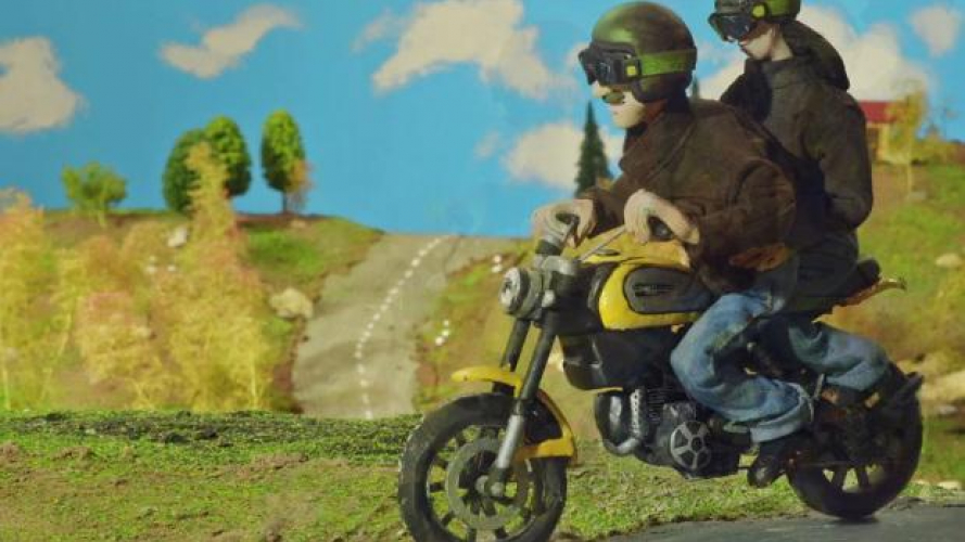 Ducati Scrambler: le linee definitive... in plastilina - VIDEO