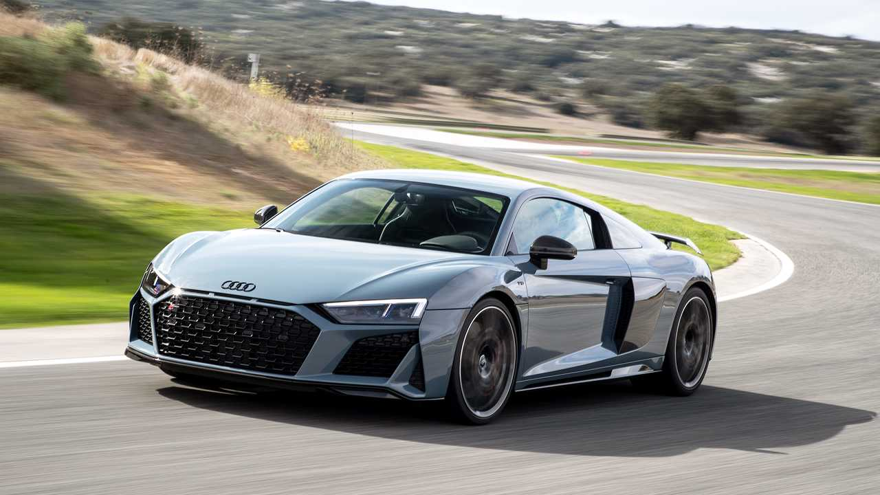 2019 audi r8 first drive power hitter. Black Bedroom Furniture Sets. Home Design Ideas