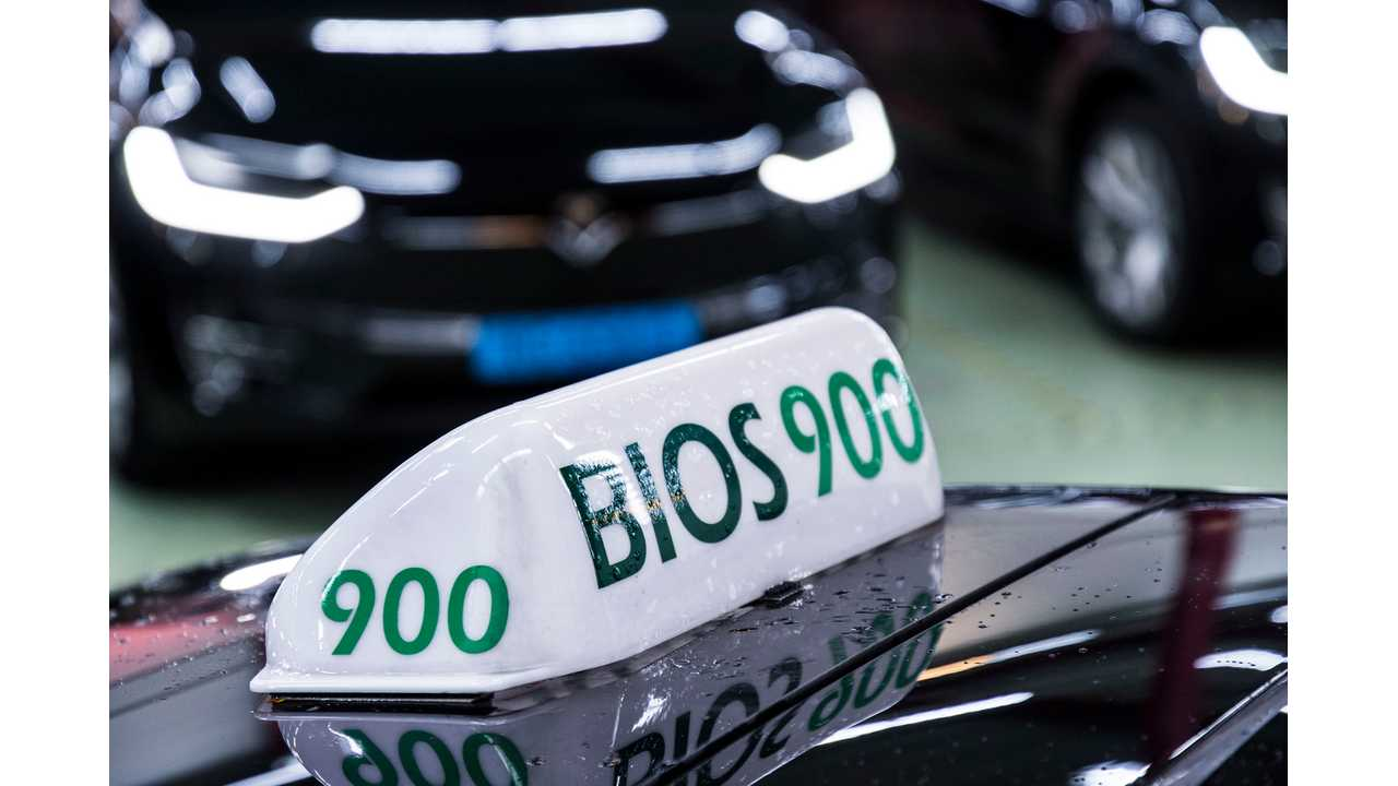 BIOS-groep takes its electric Schiphol taxi services to the next level with Model X