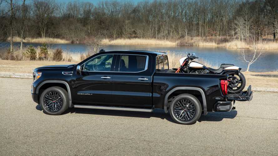 2019 GMC Sierra CarbonPro Edition Debuts Its Composite Pickup Bed