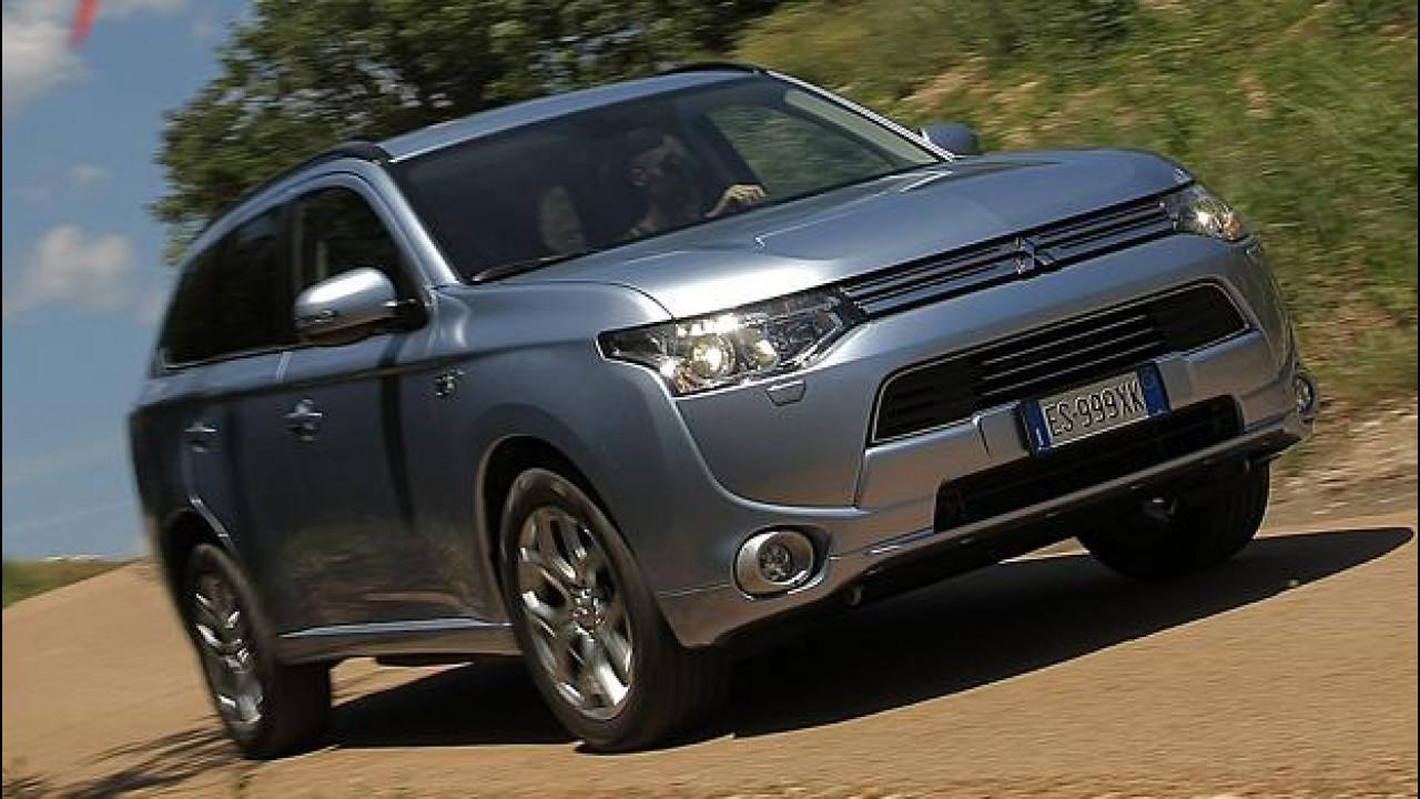 [Copertina] - Mitsubishi Outlander PHEV, il primo della gamma ibrida