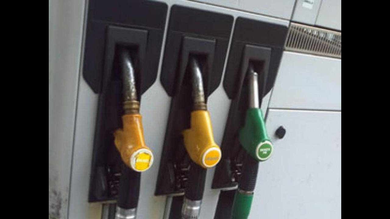 [Copertina] - I benzinai no-logo continuano a moltiplicarsi