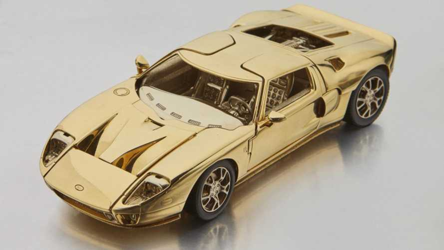 Gold 2006 Ford GT Scale Model