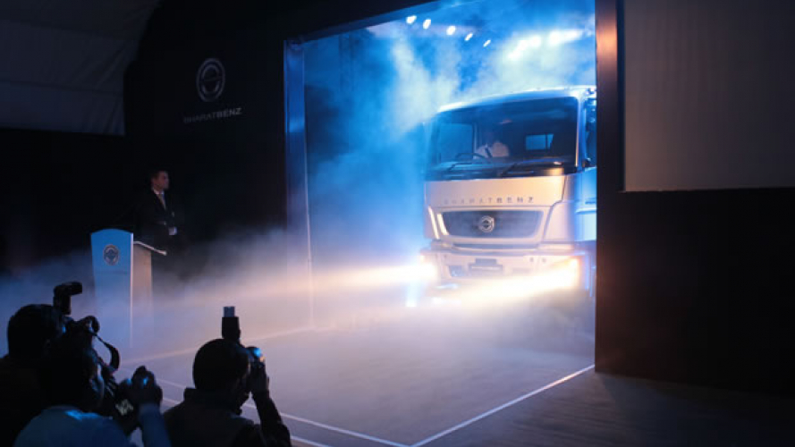 Mercedes, il primo camion indiano