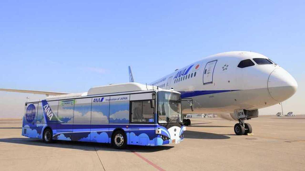 BYD autobús eléctrico y autónomo en aeropuerto de Tokio
