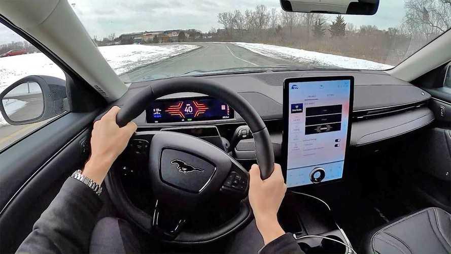 Az infotainment rendszerre küldene reklámokat a Ford új szabadalma: Biztosan jó ötlet ez?