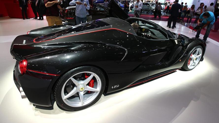 A Ferrari jótékony célból megépíti a 210. LaFerrari Apertát