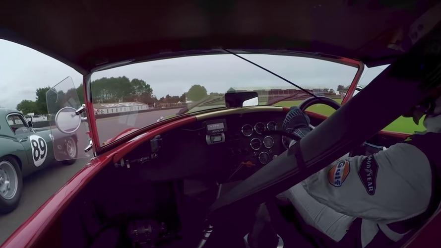 VIDÉO - Duel acharné entre une AC Cobra et une Jaguar Type E !