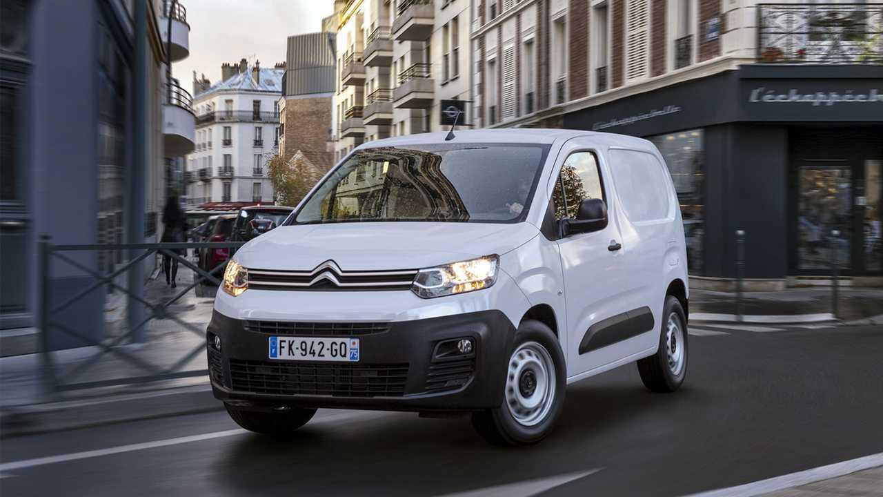 Citroën Ë-Berlingo Van, three quarters front