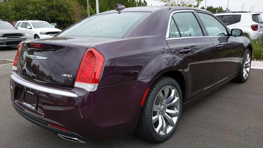 Chrysler 300 2020 yang Tidak Biasa