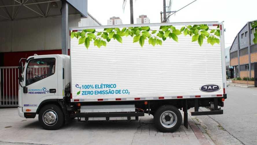 JAC Motors lança caminhão elétrico iEV1200T no Brasil por R$ 349.900