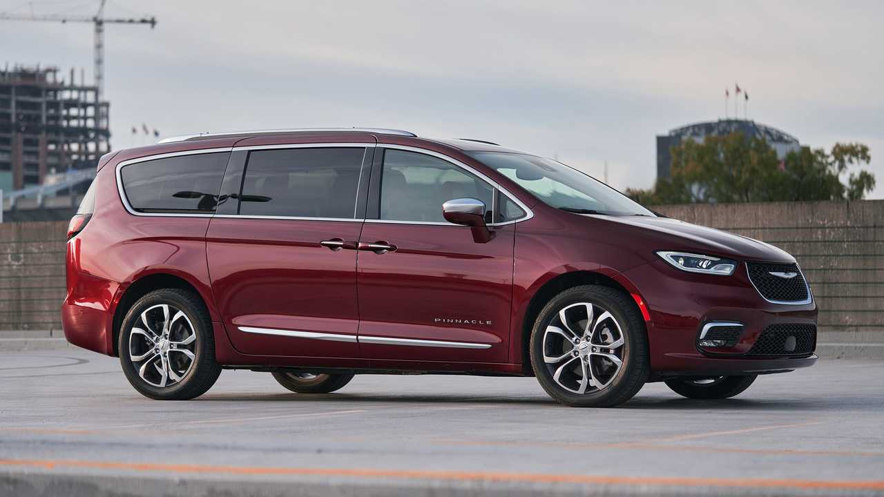 2021 Chrysler Pacifica AWD Exterior