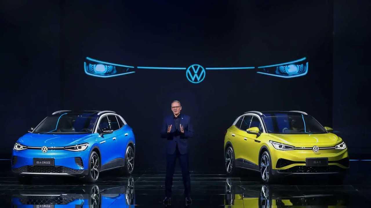 FAW-Volkswagen's ID.4 CROZZ (left) and SAIC Volkswagen's ID.4 X