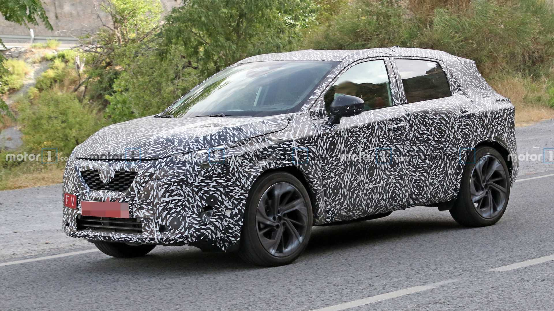 Nissan Qashqai Spied Inside And Out But It S Reportedly Been Delayed News Akmi