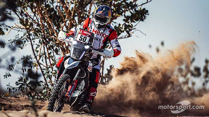Hero rider Santosh 'resuscitated' by rival after Dakar crash